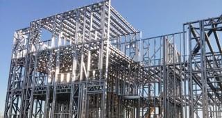 Монтаж металлоконструкций здания
