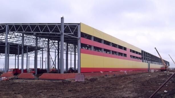 Строительство каркасного ангара для завода из металлоконструкций