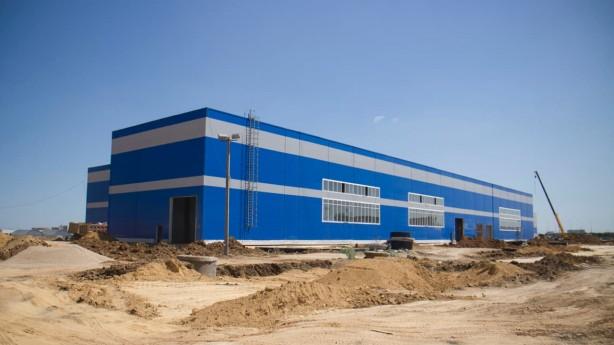 Монтаж здания из ЛМК для завода